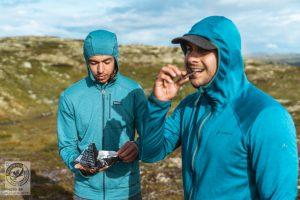 Trekkingpause in Norwegen mit Schokolade.