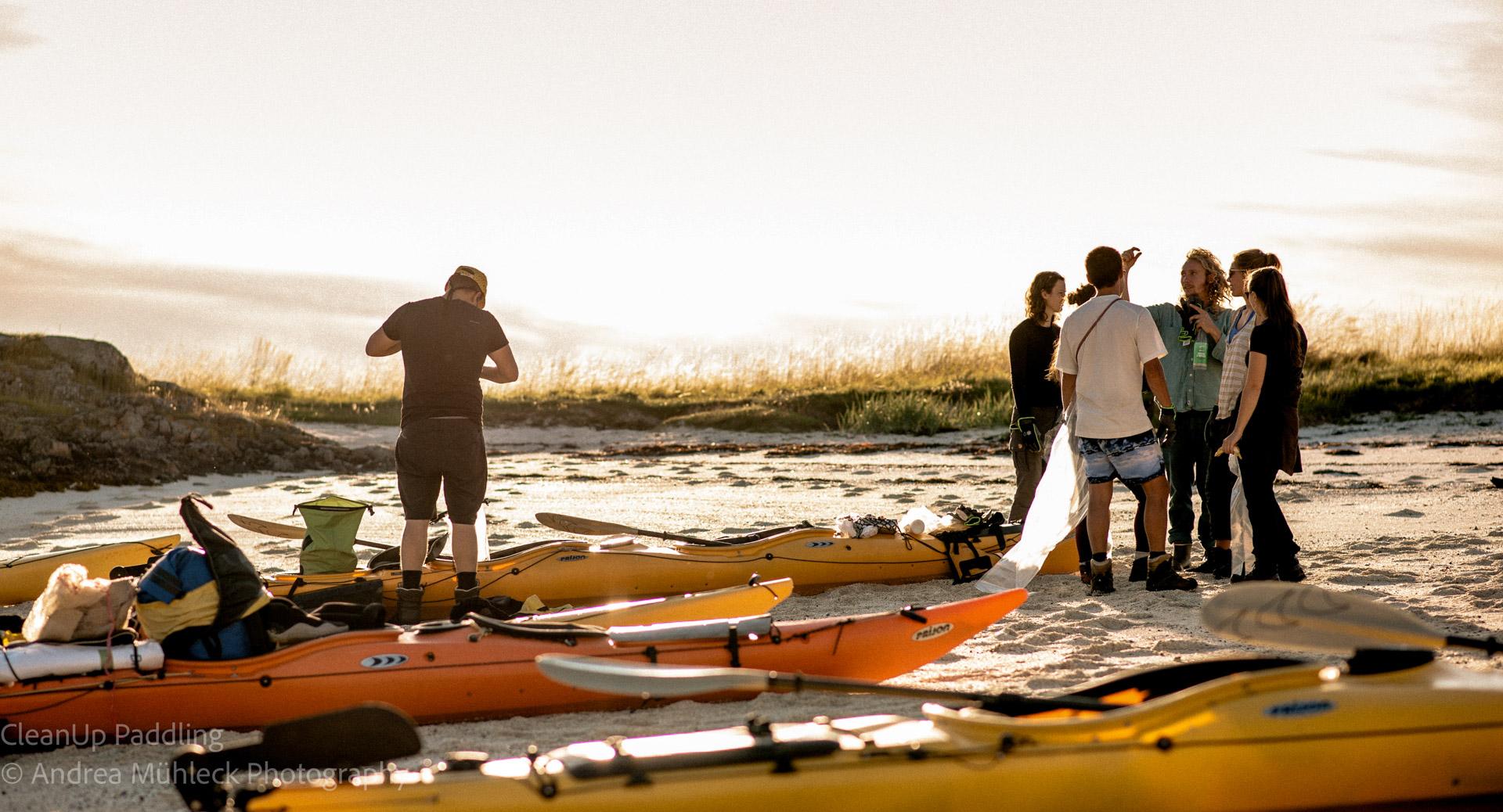 Norwegen Lofoten Kajak Sonnenuntergang