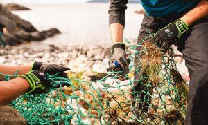 Norwegen Lofoten Kajak Strandsäubern